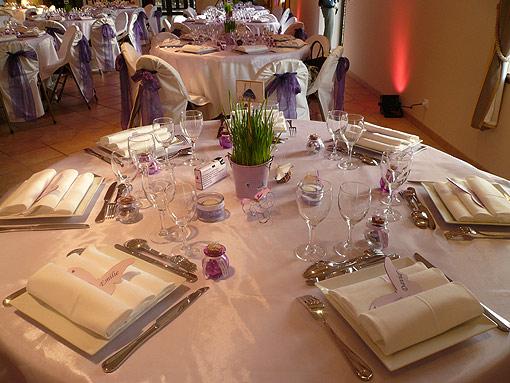 37-table-interieur-salle.jpg