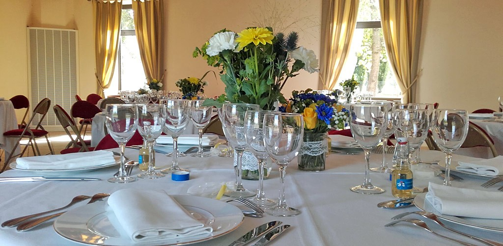 table-dressee-pour-mariage.jpg